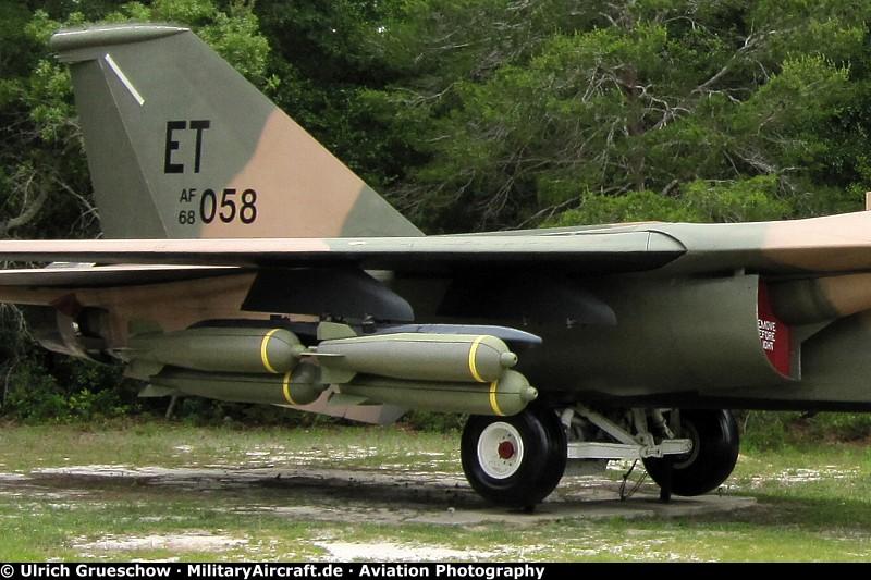 Photos: General Dynamics F-111E Aardvark ...