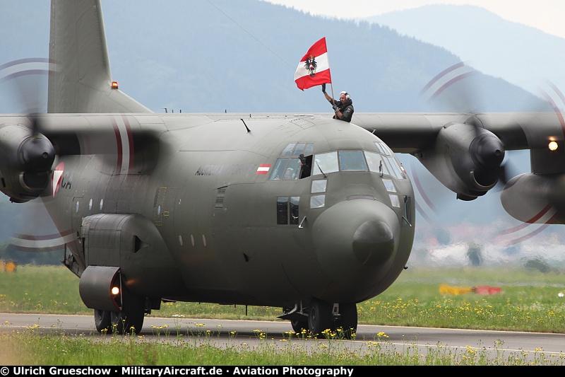 Crazy US Navy Pilot lands C 130 Hercules on AIRCRAFT CARRIER