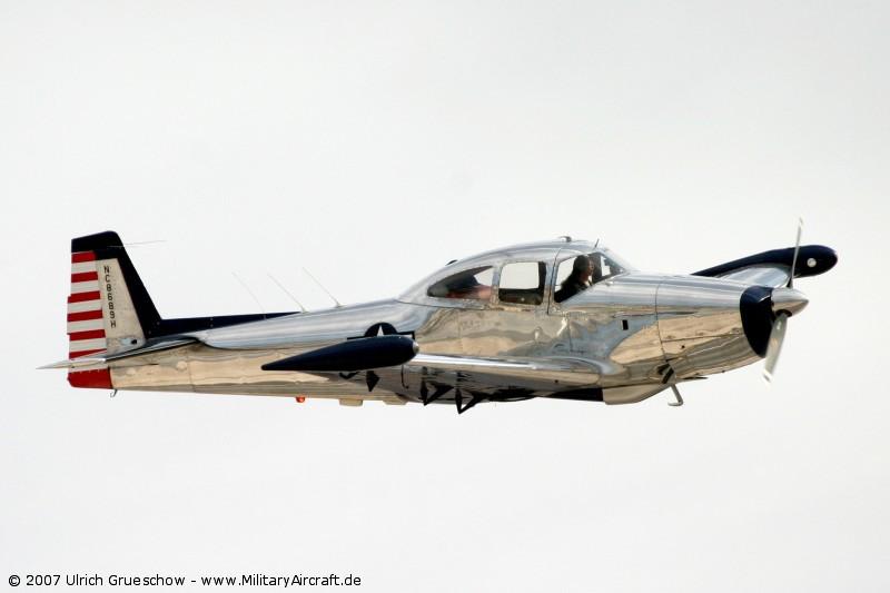 http://www.militaryaircraft.de/pictures/military/aircraft/Navion/Navion_2007-11-NELLIS_1234_800.jpg