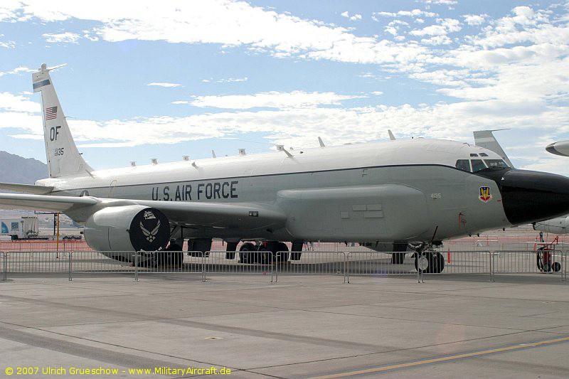 RC-135W_2007-11-NELLIS_0981_800.jpg