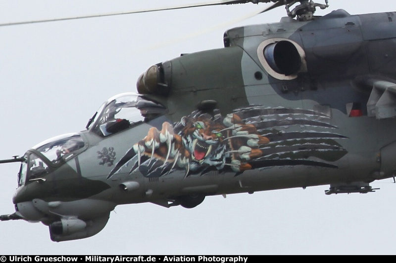 Czech - Air Force - Mil Mi-35 Hind 3369 - czechairspotters.com